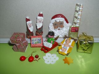 Puppenstube/kaufladen Weihnachts - Deko Konvolut:krippe Geschenke Figuren Usw. Bild