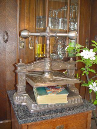Buchpresse,  Buchbinderpresse,  Spindelpresse,  Druckpresse Bild