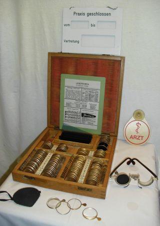 Alter Holz - Kasten Für Optker Zur Sehstärkebestimmung Mit Zubehör Siehe Bilder Bild
