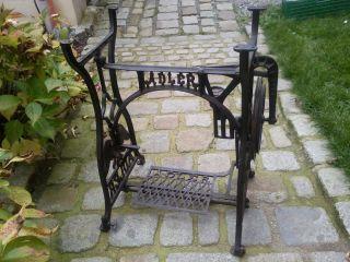 Seltenes Nähmaschinengestell Nähmaschine Gartentisch Tisch Gestell Gusseisen (3) Bild