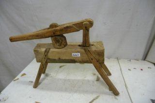 6147.  Altes Werkzeug Kartoffelpresse Bild