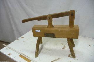 6162.  Altes Werkzeug Kartoffelpresse Bild