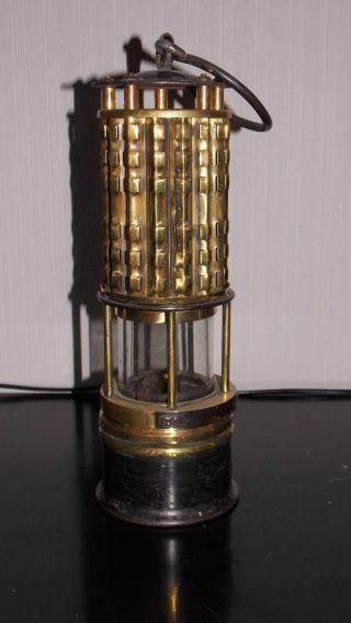 The Wolf Safety Sicherheitslampe,  Miners Lamp,  Lampe De Mineur,  Grubenlampe Bild