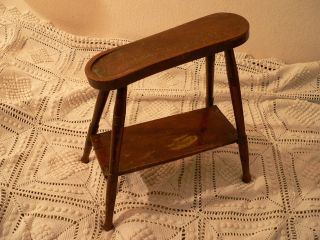 Alter Holzschemel,  Schuster, Bild