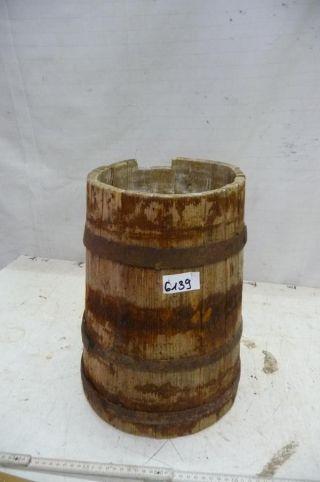 6139.  Altes Holzfass Fass Wassereimer Old Wooden Barrel Bild