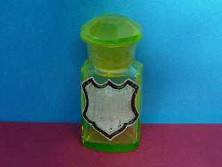 Apothekerglas,  Kleines Eleonoragrünes Uranglas, Bild