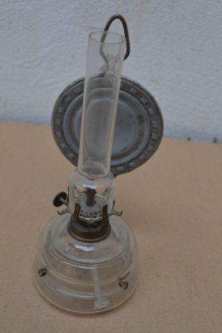 Alte Petroleumlampe,  Lampe,  Öllampe,  Wandlampe Mit Glasbehälter Um 1900 Bild