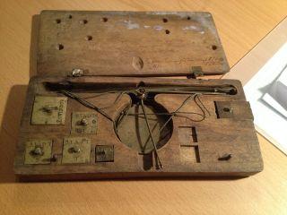 Antike Balkenwaage Goldwaage Apothekerwaage Münzwaage Im Holzkasten Uralt Bild
