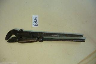6806.  Altes Werkzeug Rohrzange Franzose Bild