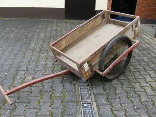 Alter Handwagen Aus Holz Bild