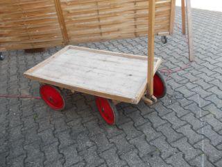 Alter Handwagen,  Bollerwagen,  Böuerlicherwagen Bild