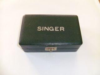 Antiker Singer Nähmaschinen Zubehör Kasten Box Rarität Inkl.  Gebrauchsanleitung Bild