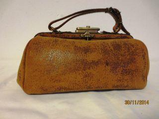Kleiner Hebammen - Koffer,  Arzttasche,  Handtasche,  Leder Um 1900 Bild