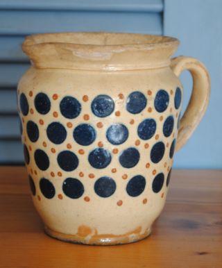 Kleiner Milchkrug Blaue Punkte Höhe 16,  5 Cm Durchmesser 14 Cm Um 1900 Bild