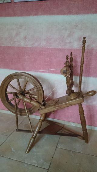 Altes Spinnrad Mit 2 Kg Wolle Bild