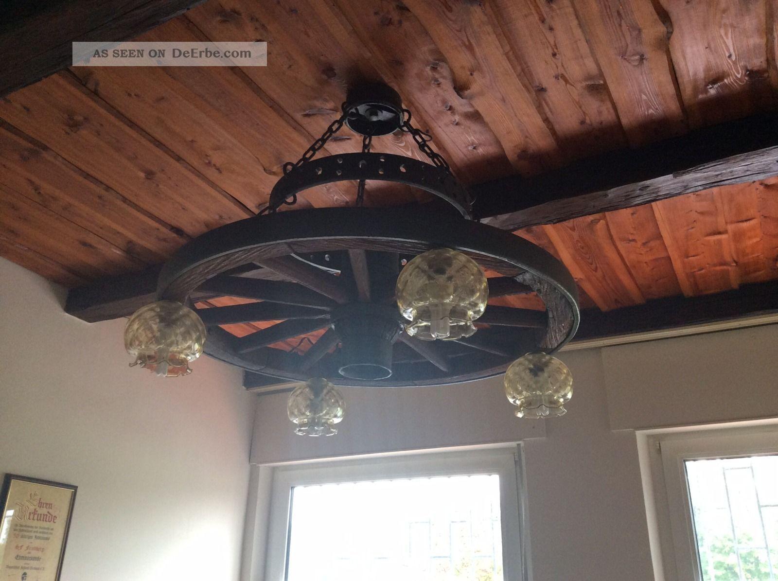 wagenrad leuchter aus holz. Black Bedroom Furniture Sets. Home Design Ideas