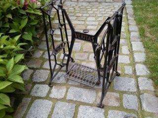 Schönes Nähmaschinengestell Nähmaschine Gartentisch Tisch Gestell Gusseisen (52) Bild