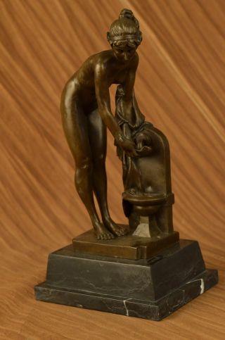 Bronzene Handgefertigte Skulptur Klassische Romantische Göttin Aphrodite Statue Bild