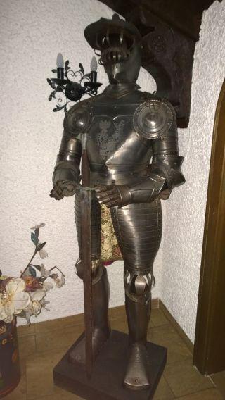 Ritterrüstung Ca.  170cm Mit Schwert,  Aus Einem Schloss Bild