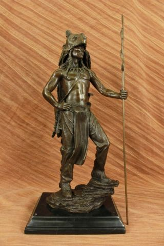 Indianer Figur Kamiko Amerikanischer Ureinwohner Wolf Bronze Kunst Skulptur Groß Bild