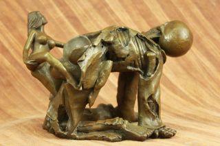 Unterzeichnete Orig.  Franz.  Gotische Nackte Nymphe Mit Skelett Bronze - Skulptur Bild