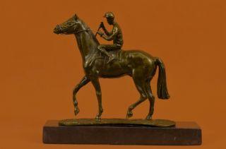 Jockey Pferderennen Pferde Kunst Hommage Bronze Marmor Statue Geschenk Bild