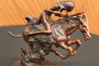 Frederic Remington Indianer Auf Pferd Cheyenne Bronze Skulptur Bild
