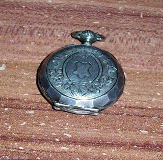 8) Räumungsfund.  Alte Kleine Damentaschenuhr - Remontoir Cylindre 10 Rubis Bild