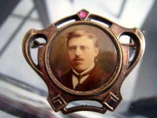 Ansteck Brosche Antik Ca.  1871 - 1918 Mit Rubintombak Vergoldet Ahnenbild Bild
