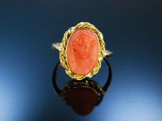 Antiker Ring Koralle Kamee Gemme Gold 750 Korallenring Sardegna England Um 1880 Bild