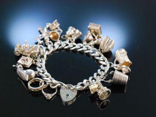 Bettelarmband England Um 1970 Silber 925 Charm Bracelet 13 Charms Armband Massiv Bild