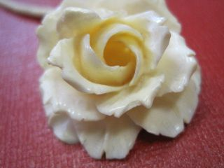 Jugendstil - Art Deco Bein Schnitzerei Weiße Rose Kette.  Erbach Bild