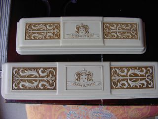 2 Vintage Hamilton Uhrenboxen Bakelit Mit Gold Verzierung Antik Um 1925 Bild