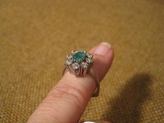 Alter Ring Mit Smaragd & 8 Diamanten /750er Weisgold Bild