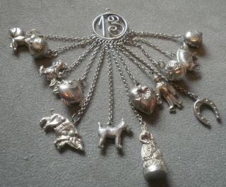 Anhänger Mit 13 Anhängern Antik Biedermeier Antique Charms Display Bild