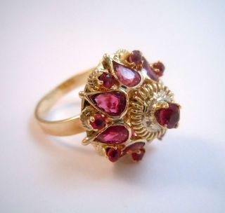 585 Gold Prunkvoller Rubin Pagoden Ring - Wien Um 1920 Bild