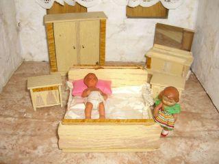 Puppenstubenmöbel - Möbel Für Die Puppenstube - Sehr Kleines Altes Schlafzimmer Bild