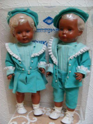 2 Schidkröt - Puppen Hans Und Erika,  Klassik Collektion,  Lim.  1000 St.  Gr.  46 Cm Bild