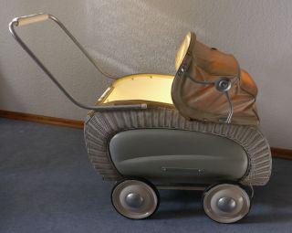Antiker Puppenwagen,  50er Jahre Bild