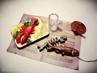 Hummer Gekocht,  Fisch An Der Schnur Und Fischgräte Für Puppenhaus 1:12 Miniatur Bild