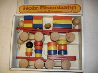 Holzeisenbahn Bild