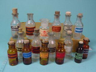 Z217/ Rarität 16 Alte Apotheken Flaschen Mit Etikett Bild
