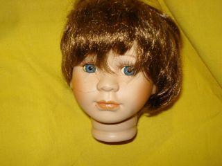 Puppenkopf Porzellan Bild
