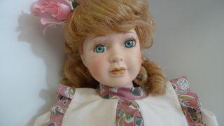 Porzellanpuppe,  Biskuitporzellan,  Sammelpuppe,  Puppe,  Ca.  37 Cm,  älter,  Bitte Lesen Bild