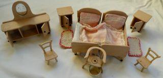 20 Tlg.  Handgefert.  Puppenschlafzimmer Mit Viel Zubehör - Ca.  1930 Bild