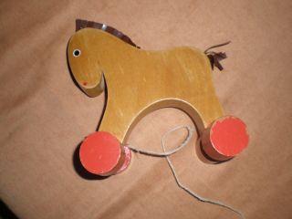 Holzpferd Pferdchen Auf Rollen Zum Ziehen (speicherfund), Bild
