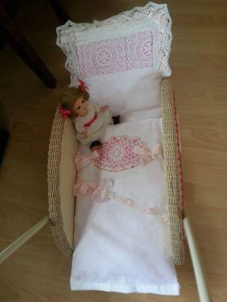 Wunderschöne Garnitur Für Einen Alten Oder Neuen Puppenwagen Kinderwagen Top Bild