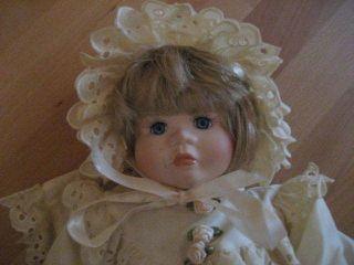 Porzellan - Puppe Porzellanpuppe Hally Blunt Bild