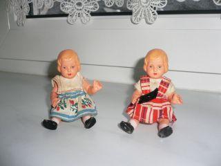 Puppenstube 2 X Alte Puppe,  Kleine Alte Minerva Puppen,  Kleines Altes Püppchen Bild