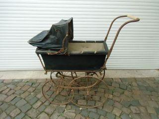 Antiker Uralter Kinderwagen Vor 1900 - Nostalgie - Restaurationsbedarf Bild